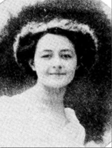 Laure Salet en 1910 (photo : Revue régionaliste des Pyrénées 1989)
